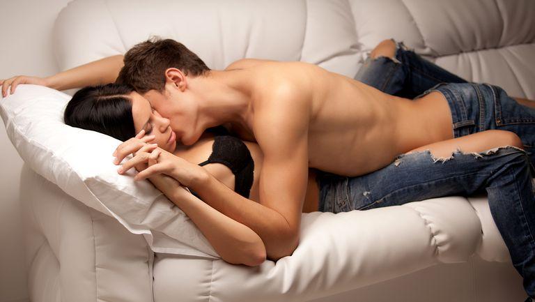 Sexolog- Ce fac cuplurile care au o viață sexuală împlinită